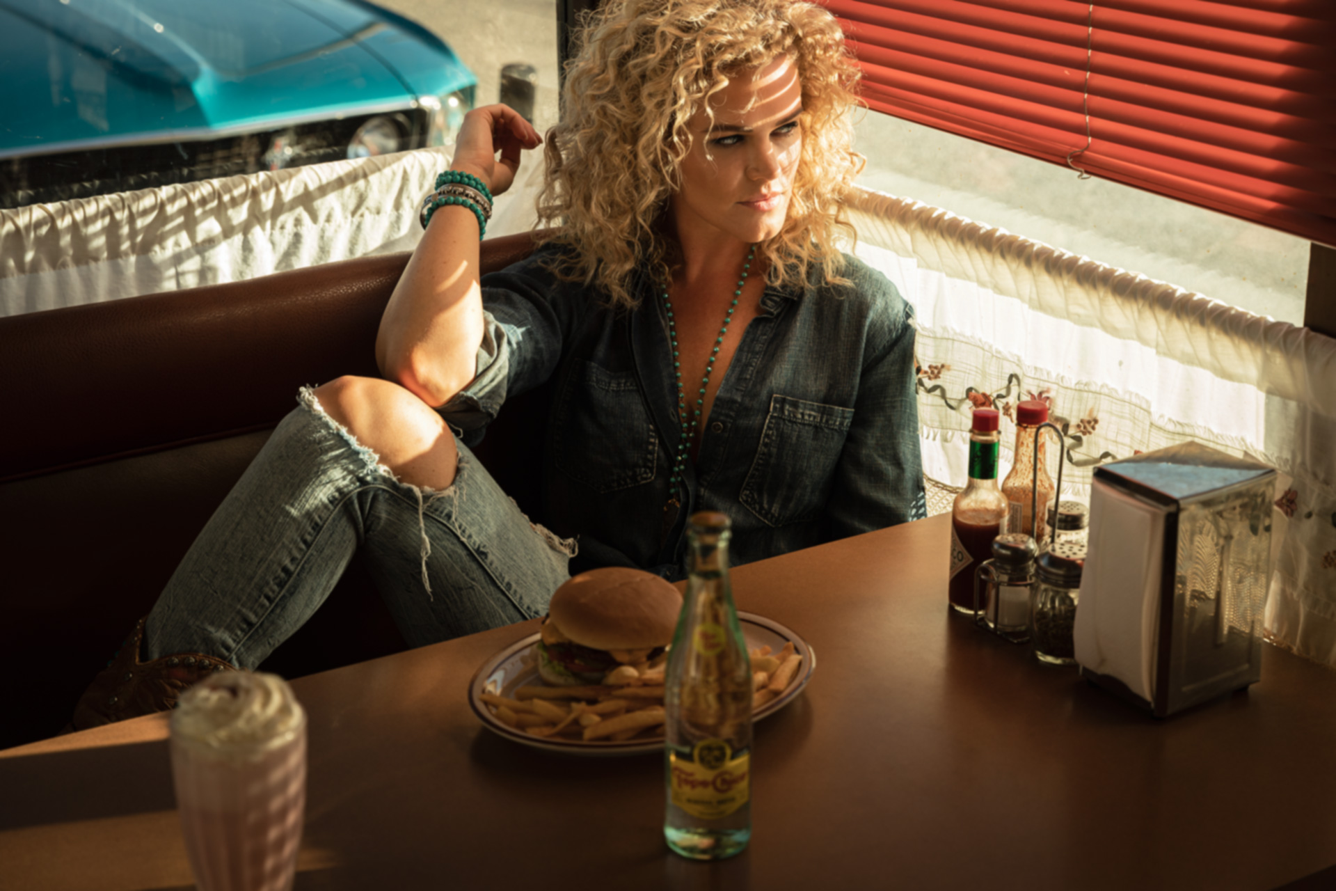 Lifestyle Photographer Los Angeles diner-california-topo-chico