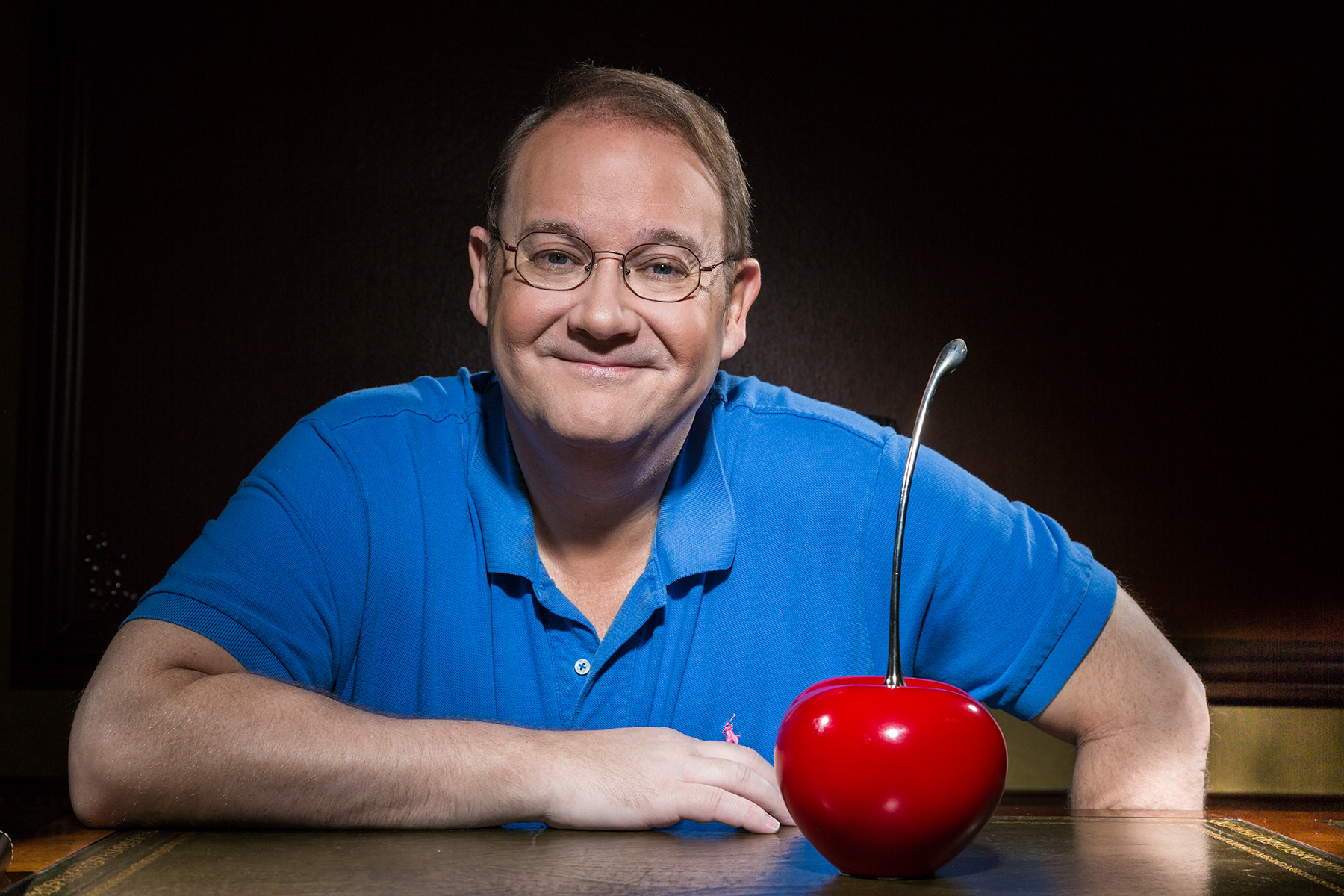 Marc Cherry Portrait, Desperate Housewives. Emmy Magazine